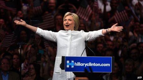 3,3 trieu cu tri My bau cu som, ba Clinton but pha - Anh 1