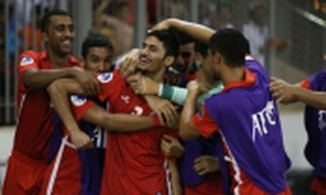 Chuyen gia hien ke de U19 Viet Nam ha U19 Bahrain - Anh 2