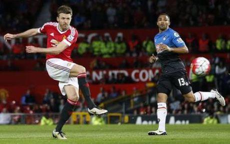 Carrick trong tam ngam Man City, CDV Man United lo lang - Anh 1