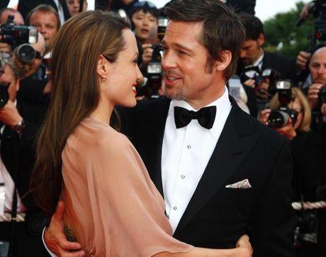 Angelina - Brad dang xem xet lai y dinh ly hon vi cac con va tinh yeu suot 12 nam - Anh 1