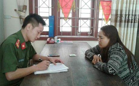 Bat giu them 1 phu nu trong duong day mua ban tre em lien tinh - Anh 1