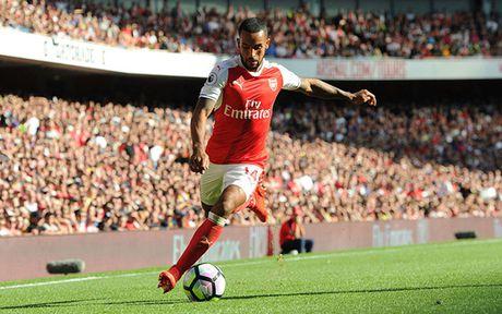 Doi hinh 'sieu tan cong' cua Arsenal truoc Middlesbrough - Anh 10