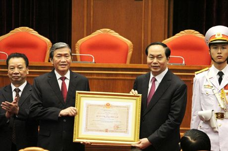 Tong Bi thu du ky niem 20 nam thanh lap Hoi dong Ly luan Trung uong - Anh 4