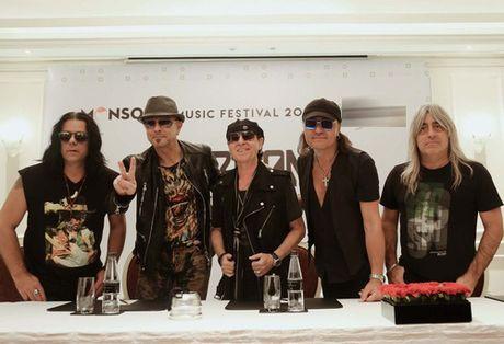 Huyen thoai Scorpions: 'Duoc gap fan Viet rat tuyet voi' - Anh 2