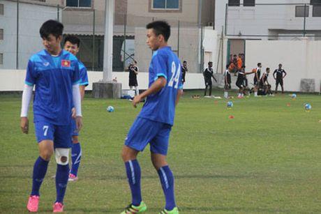 Chu nha Bahrain gay kho de, 'hanh xac' U19 Viet Nam - Anh 4