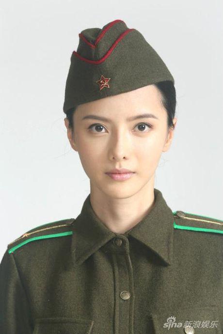 Bat ngo voi phien ban nu dep tuyet sac cua tro ly Bao Cong - Anh 9