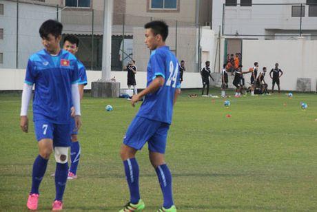 Chu nha Bahrain bat dau 'choi chieu' lam kho U19 Viet Nam - Anh 1