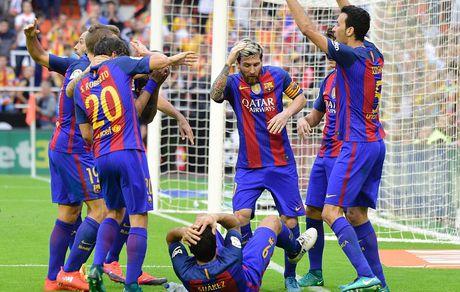 Messi sut thanh cong phat den roi chay toi khieu khich CDV Valencia - Anh 12