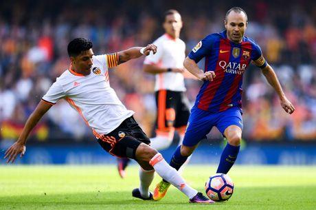 Messi sut thanh cong phat den roi chay toi khieu khich CDV Valencia - Anh 1
