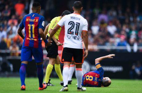 Messi sut thanh cong phat den roi chay toi khieu khich CDV Valencia - Anh 3