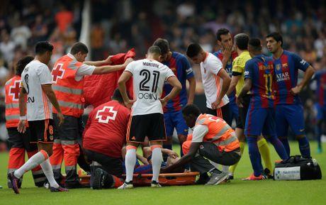 Messi sut thanh cong phat den roi chay toi khieu khich CDV Valencia - Anh 5