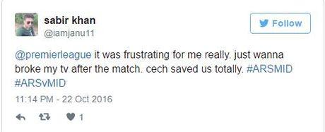 CDV Arsenal doi ... dap tivi sau tran hoa Middlesbrough - Anh 2