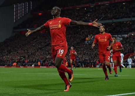 Coutinho va Mane lap cong, Liverpool thang de West Brom tren san nha - Anh 1