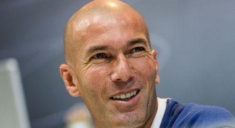 Zidane bao ve BBC truoc chi trich cua du luan - Anh 1