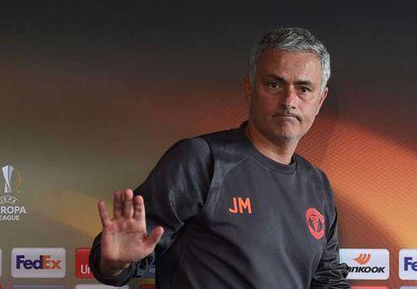 Mourinho: Chang co Nguoi dac biet neu khong vo dich - Anh 1