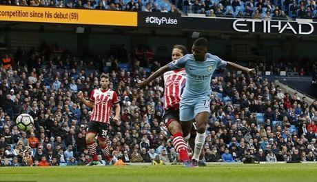 Sao tre toa sang, Man City nhoc nhan co tran hoa voi Southampton - Anh 2