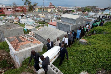 Xot xa tham canh o Haiti hai tuan sau sieu bao Matthew - Anh 11