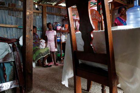 Xot xa tham canh o Haiti hai tuan sau sieu bao Matthew - Anh 12