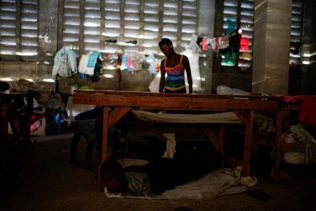 Xot xa tham canh o Haiti hai tuan sau sieu bao Matthew - Anh 7
