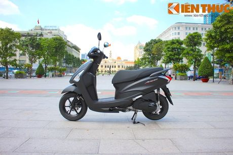 Yamaha Acruzo 'het cua' canh tranh Honda Lead tai VN - Anh 1