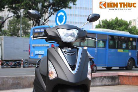 Yamaha Acruzo 'het cua' canh tranh Honda Lead tai VN - Anh 4
