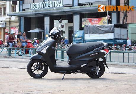 Yamaha Acruzo 'het cua' canh tranh Honda Lead tai VN - Anh 8