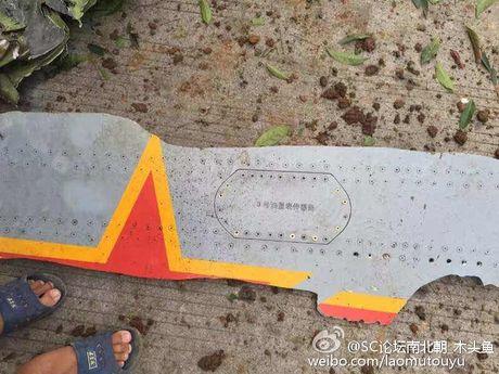 Hien truong may bay nem bom lao xuong dat o Trung Quoc - Anh 5
