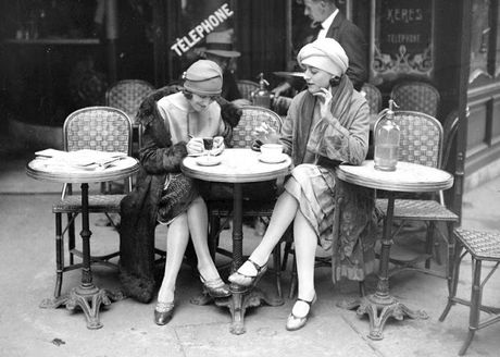 Cuoc song thuong nhat o thu do Paris hoi nhung nam 1920 - Anh 2