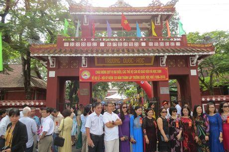 Truong THPT chuyen Quoc Hoc Hue don nhan Huan chuong Doc lap Hang nhat - Anh 10