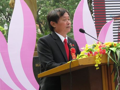 Truong THPT chuyen Quoc Hoc Hue don nhan Huan chuong Doc lap Hang nhat - Anh 1