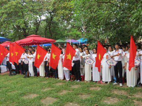 Truong THPT chuyen Quoc Hoc Hue don nhan Huan chuong Doc lap Hang nhat - Anh 8
