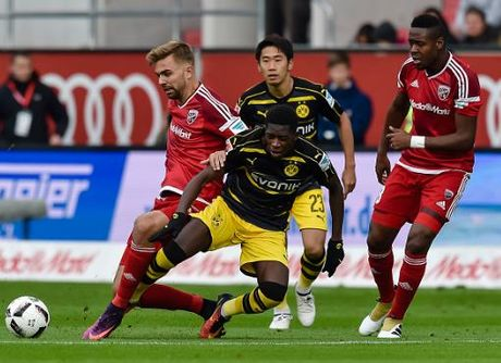 Bundesliga vong 8: Dem la lung cho cac 'dai gia' - Anh 1