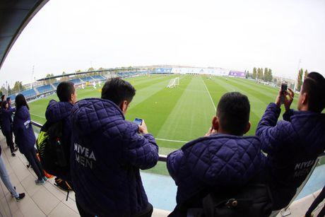 Trai nghiem thu vi cua cau thu 'phui' Viet Nam tai Real Madrid - Anh 1
