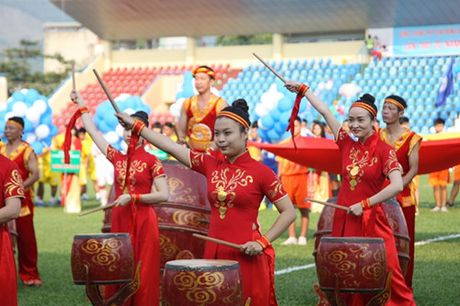Khai mac vong chung ket U.21 Bao Thanh Nien: Ron vang Cam Pha - Anh 3