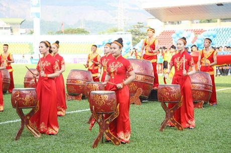 Khai mac vong chung ket U.21 Bao Thanh Nien: Ron vang Cam Pha - Anh 4