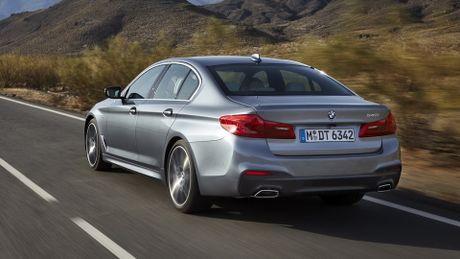 So sanh thiet ke va noi that Mercedes-Benz E-Class va BMW 5-Series 2017 - Anh 11