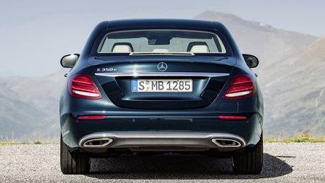 So sanh thiet ke va noi that Mercedes-Benz E-Class va BMW 5-Series 2017 - Anh 16