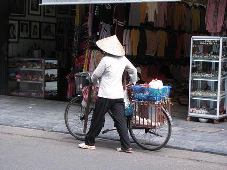 Ha Noi va nhung ganh hang rong tren pho - Anh 18