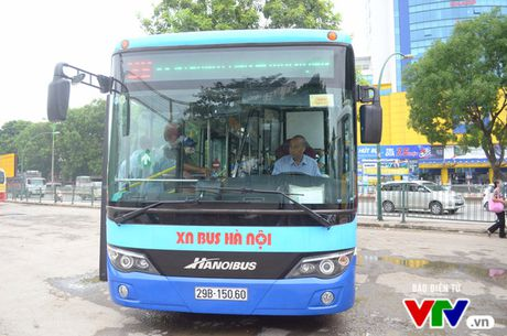 Luong khach di xe bus giam va loi giai cho bai toan tac duong - Anh 1