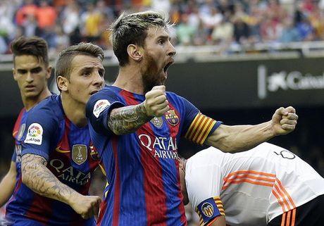 """Messi ghi ban phut bu gio, Barcelona thoat hiem o """"hang doi"""" - Anh 3"""
