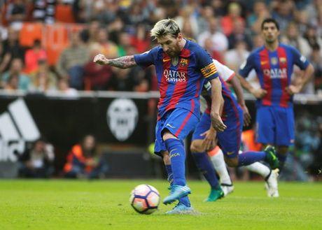 """Messi ghi ban phut bu gio, Barcelona thoat hiem o """"hang doi"""" - Anh 7"""