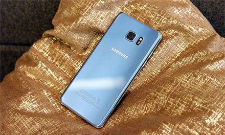 Galaxy S7 va S7 edge xanh san ho ban ra dau thang 11 - Anh 1