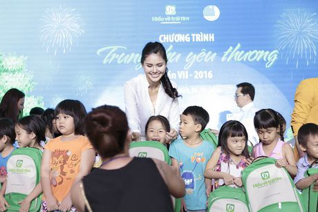 A hau Kim Nguyen: 'Khong ngai lo do cong viec de sinh con' - Anh 9