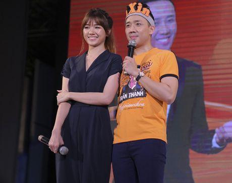 Tran Thanh bat khoc, noi loi xin loi Hari vi de co chiu thiet thoi - Anh 2