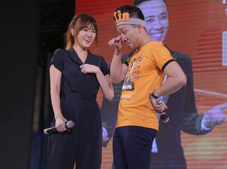 Tran Thanh bat khoc, noi loi xin loi Hari vi de co chiu thiet thoi - Anh 5