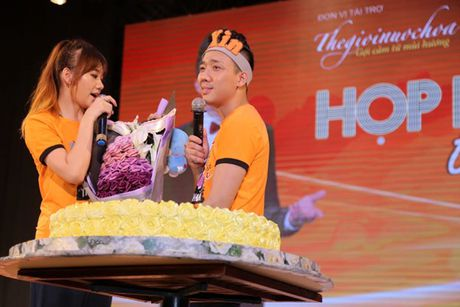 Tran Thanh bat khoc cam on va xin loi Hari Won vi da chon yeu minh - Anh 16