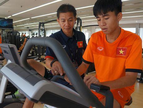 Chu nha Bahrain xin loi U19 Viet Nam - Anh 1