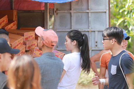 Nhung hinh anh gian di cua hoa hau Ky Duyen di tu thien tai Quang Binh - Anh 2