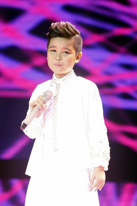 The Voice Kids: Bat ngo 'cau be dan ca' hat rock ben canh Phuong Thanh - Anh 4