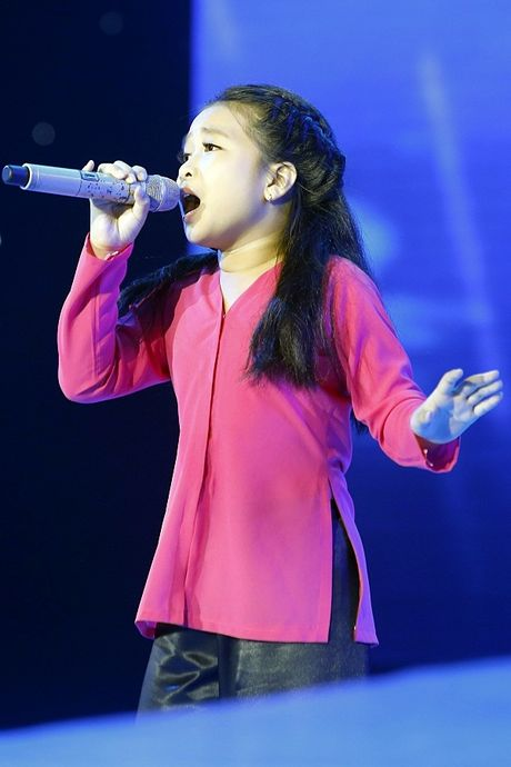 The Voice Kids: Bat ngo 'cau be dan ca' hat rock ben canh Phuong Thanh - Anh 6